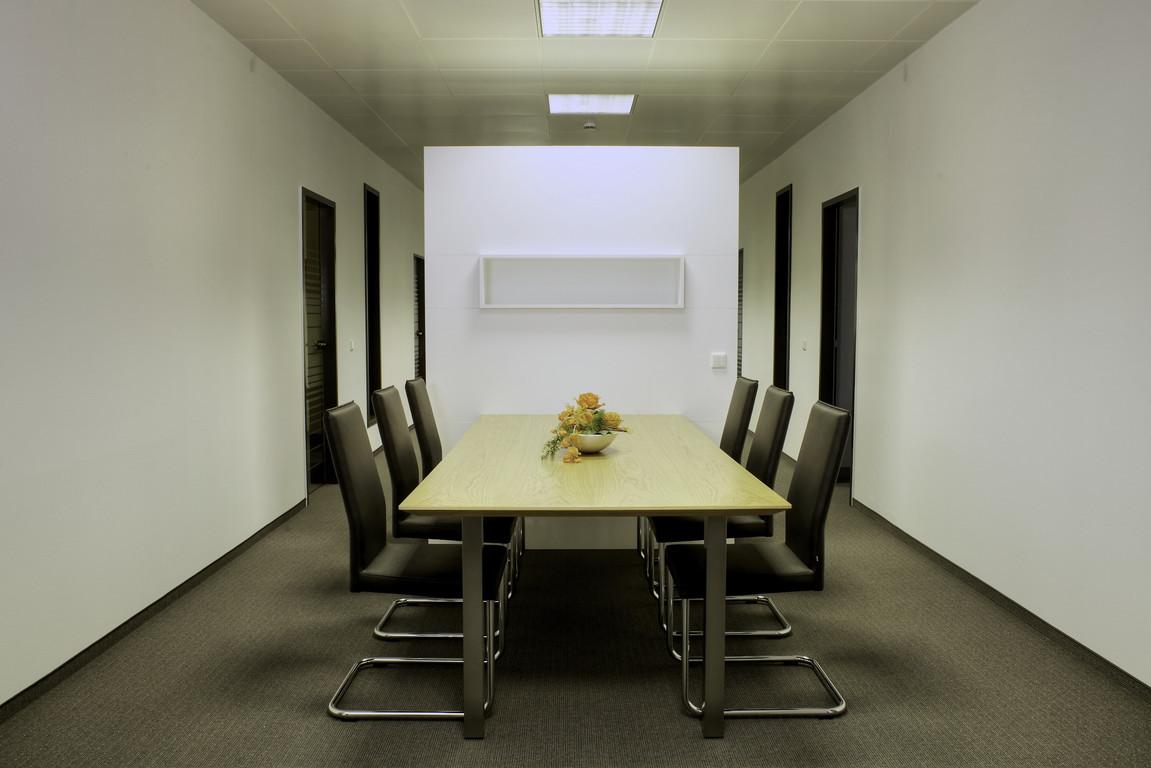Büroeinrichtung nach CI, Empfangstresen, Rezeption, repräsentative ...