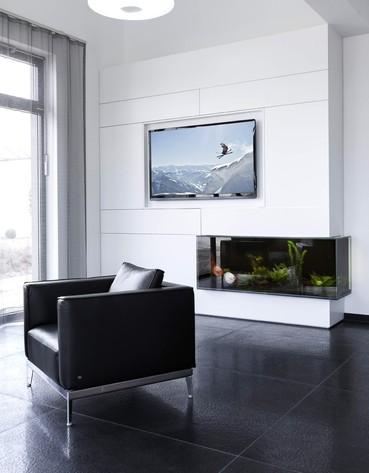 colourform besteht aus drei kompetenzgebiete marketing. Black Bedroom Furniture Sets. Home Design Ideas